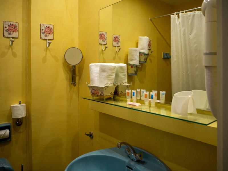 デルフィにあるニディモスホテルのバスルーム