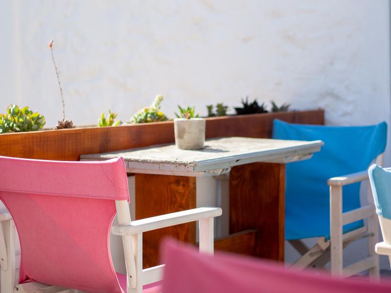 マストリスマンションの朝食に使用する2階のテラス席