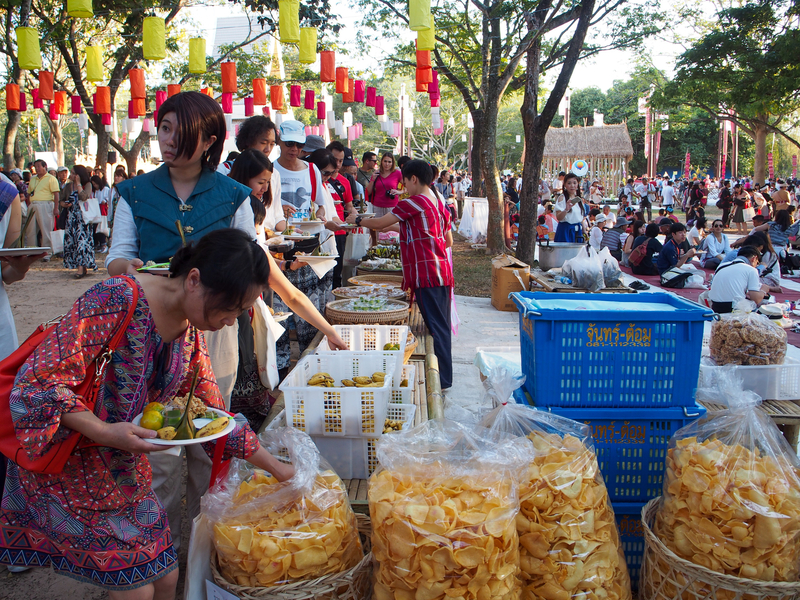 チェンマイで開催されるイーペン・ランナー・インターナショナルでの食事