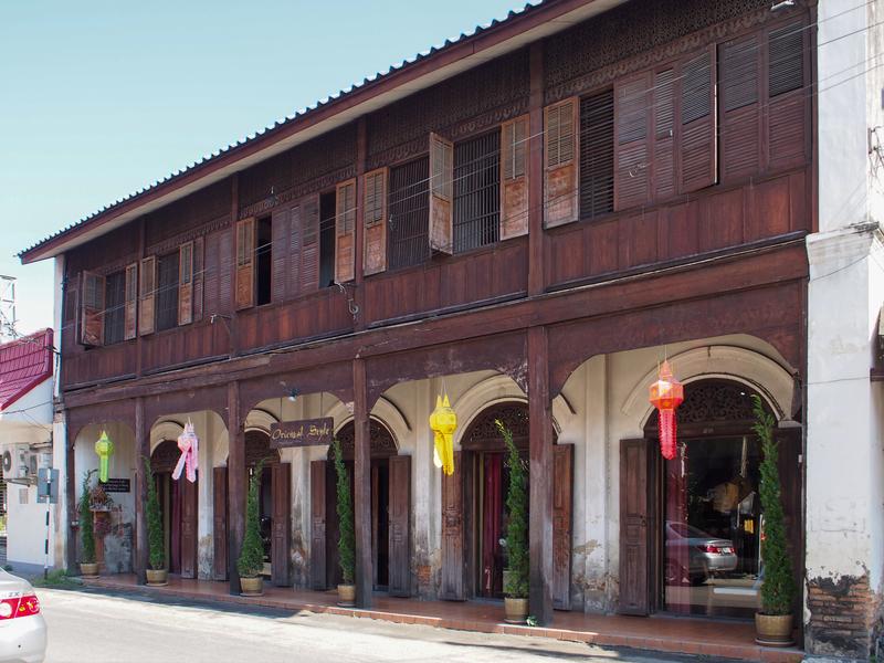 チェンマイのワット・ケート・カーラーム(Wat Ket Karam、วัดเกตการาม)というお寺の近くにある趣のある古い家