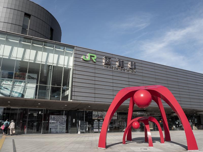 JR函館駅前にある赤いモニュメント