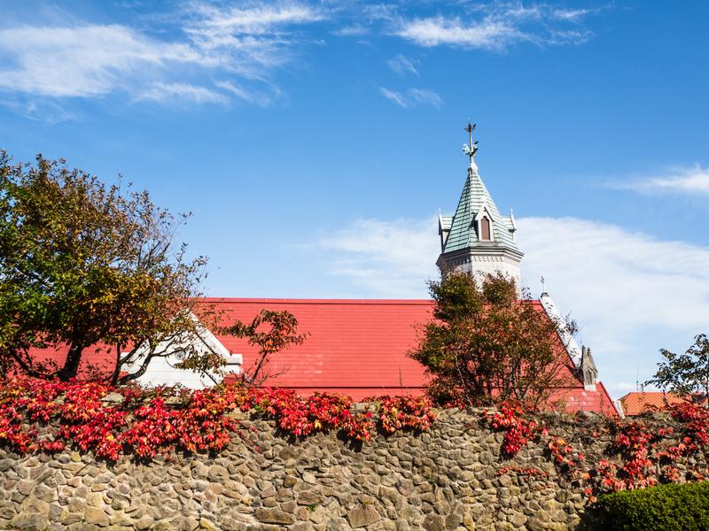 函館市にある赤い屋根のカトリック元町教会