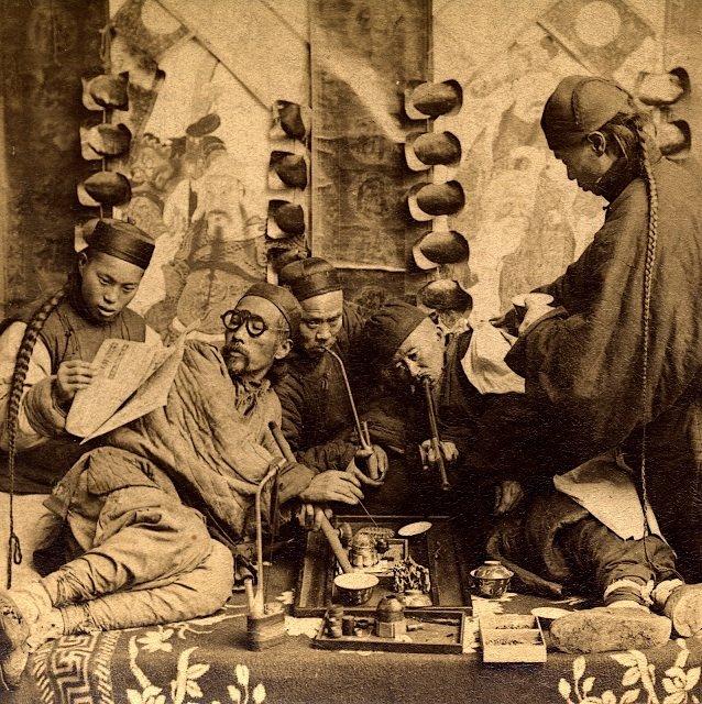 上海の阿片窟 1901年