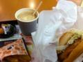 エビバーガーがコリコリした食感で美味しかった。