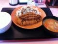昼食はかつやのロースカツ定食を食べました。