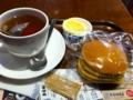 昼食は上島珈琲店のパンケーキです。