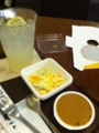 昼食は上島珈琲店のマカロニたまごサラダです