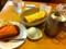 みかん畑とモーニングサービスで朝食しました