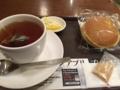上島珈琲店でパンケーキを食べます。