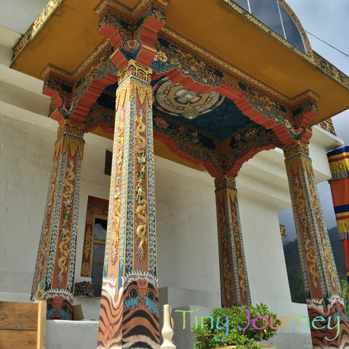 メモリアルチョルテン入口の柱