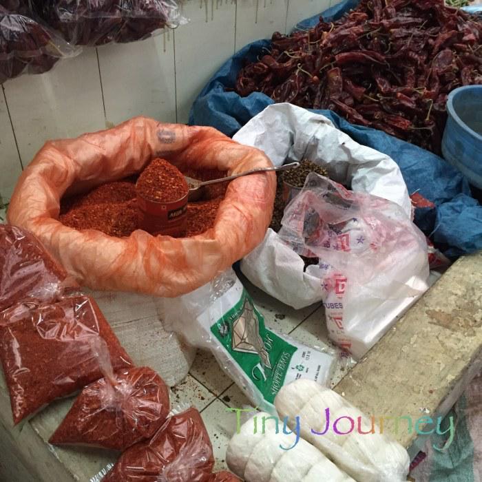薬味の唐辛子と胡椒売り場