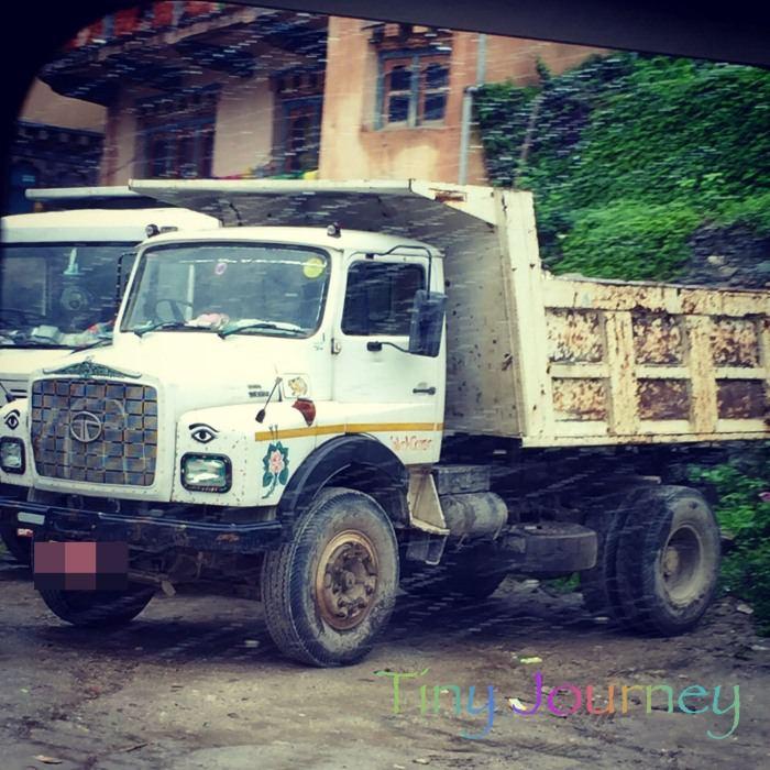 装飾されたトラック
