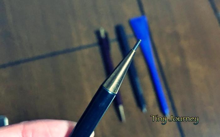 小型の鉛筆の芯ホルダー