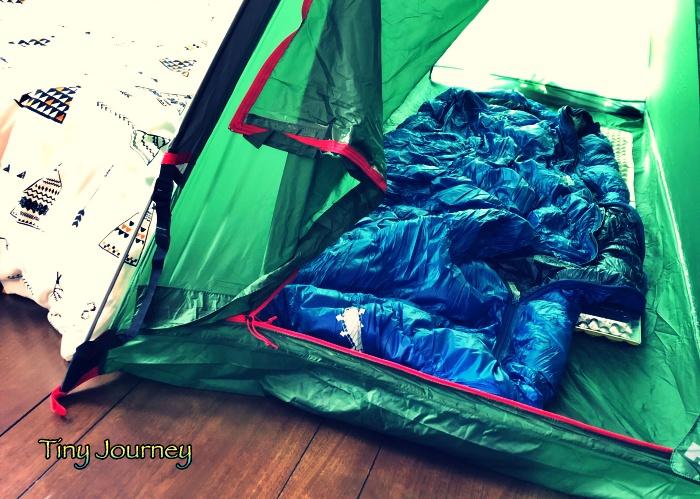 テントの中のマットと寝袋