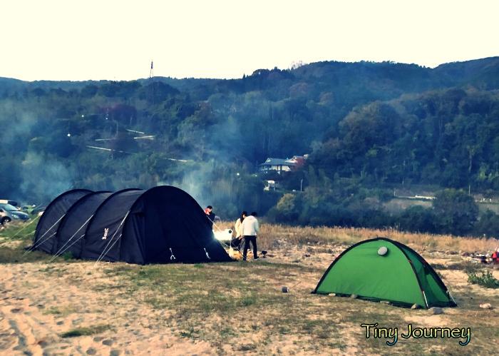 大きいテントと小さいテント