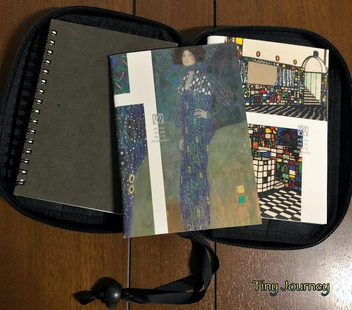 クリムトの『エミーリエ・フレーゲの肖像』が表紙に描かれたノート