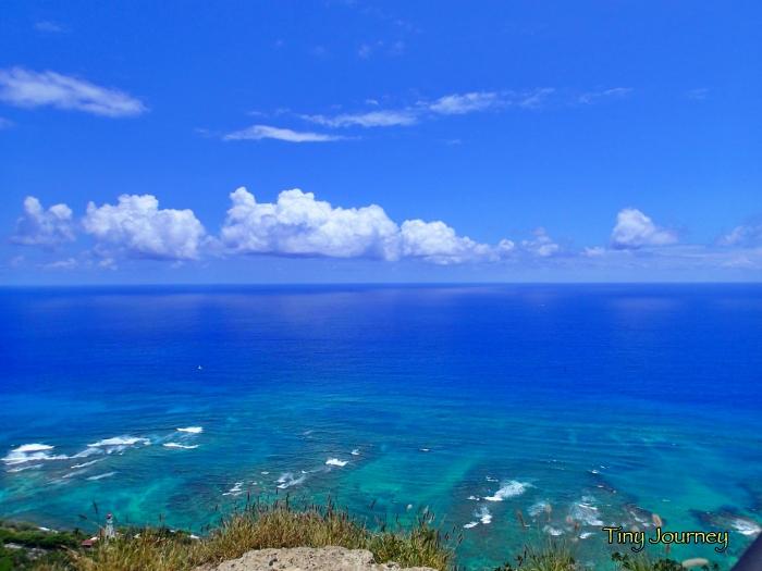 青い海と空だけの景色