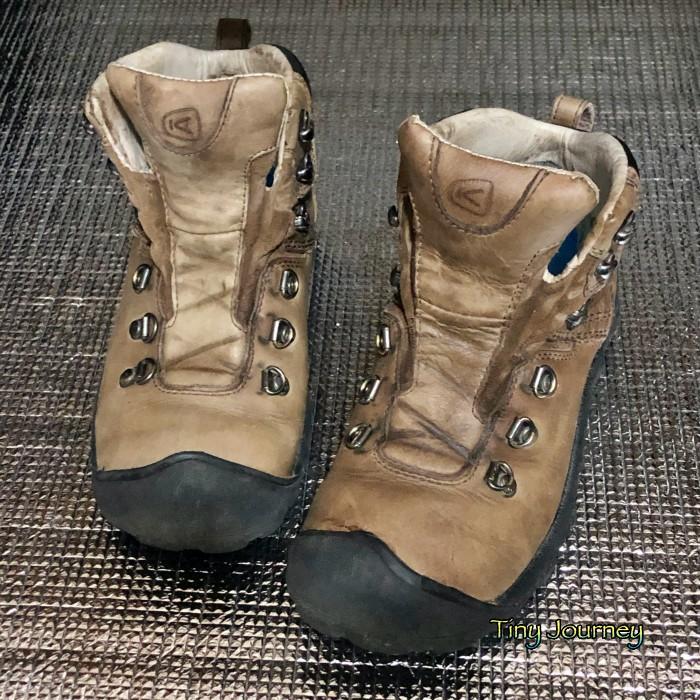 ミンクオイル塗布前後の靴