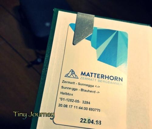 測量野帳の表紙裏にクリップで挟んだ乗車チケット