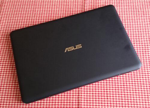 ASUSのEeeBook X205TA