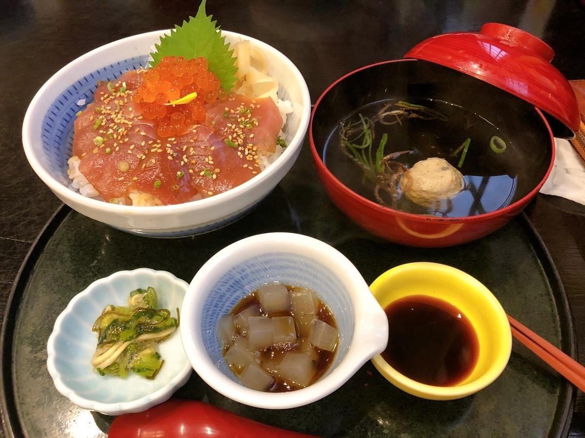 徳造丸 海鮮丼