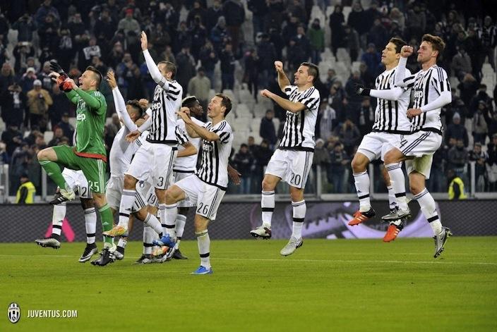 画像:コッパ・イタリア、トリノ戦で勝利した選手たち