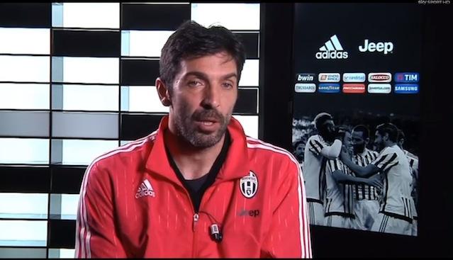 画像:スカイ・イタリアのインタビューに応じるブッフォン
