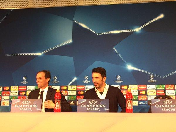 画像:前日会見に出席したアッレグリ監督とブッフォン選手