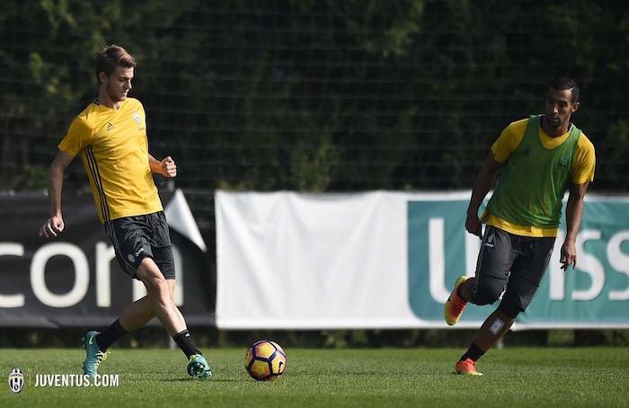画像:全体練習に復帰したダニエレ・ルガーニ