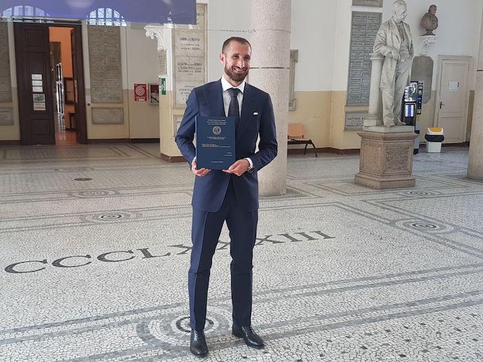 画像:学位を取得したキエッリーニ