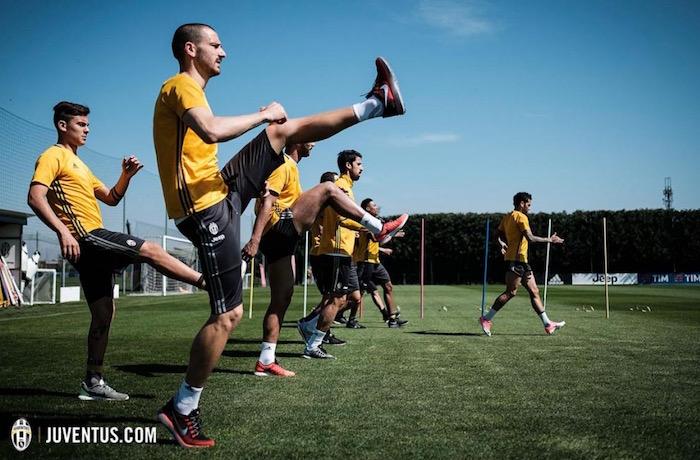 画像:キエーボ戦に向けた調整を行う選手たち