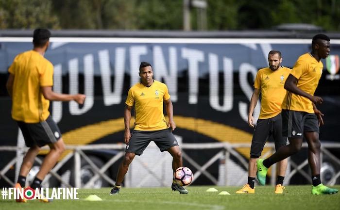 画像:ローマでトレーニングを行う選手たち
