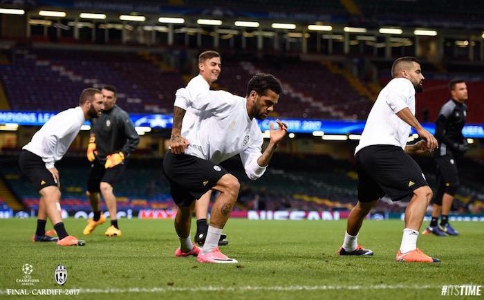 画像:カーディフで調整する選手たち