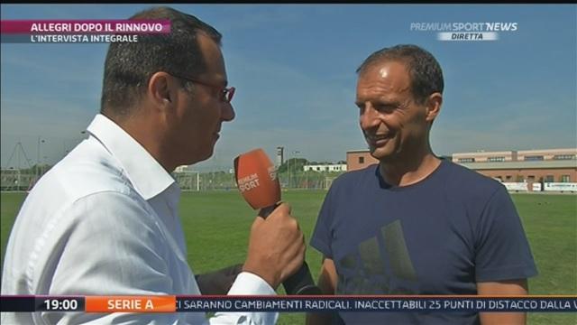 画像:メディアセットのインタビューに応じるアッレグリ監督