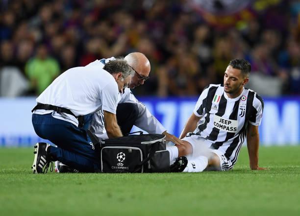 画像:バルセロナ戦で右足首を痛めたデ・シリオ