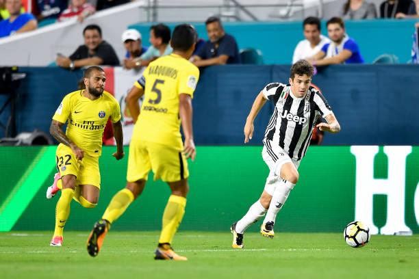 画像:PSG戦でプレーするカリガラ