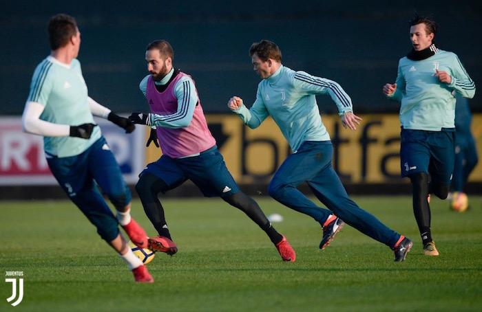 画像:ビノーボで新年最初のトレーニングをする選手たち