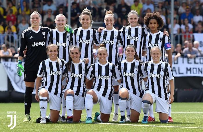 画像:リーグ最終戦に臨むユベントス女子チーム