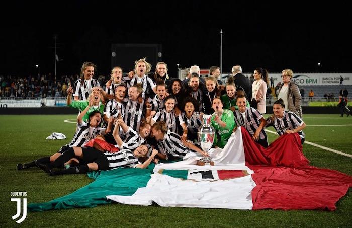 画像:セリエAのタイトルを獲得した女子チーム