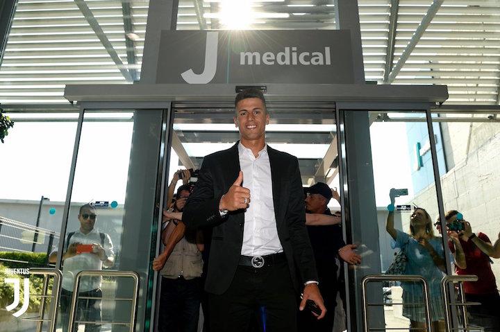 画像:Jメディカルに到着したカンセロ