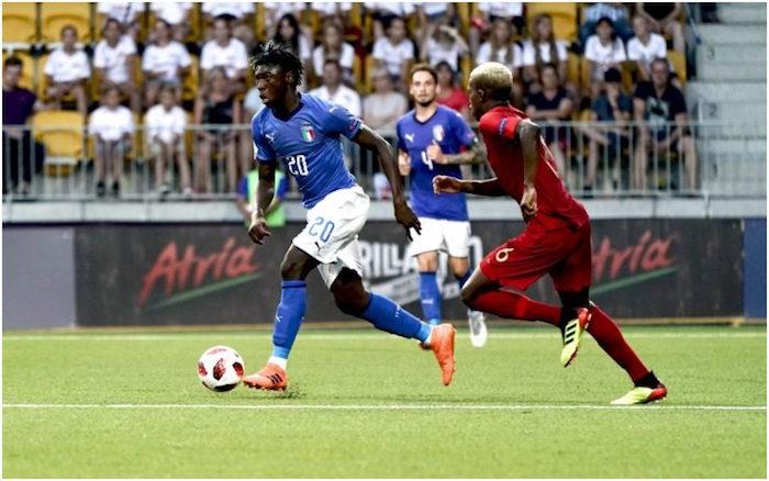 画像:ポルトガルとの決勝戦でプレーするケーン