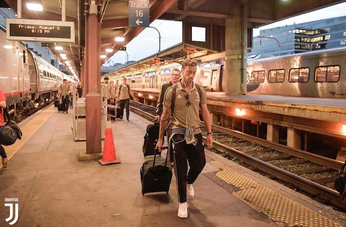 画像:ワシントンに到着したユベントスの選手たち