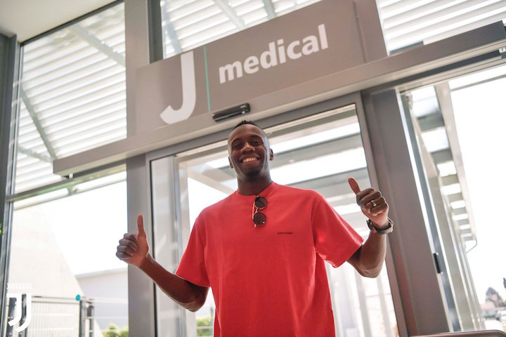 画像:Jメディカルに到着したマテュイディ
