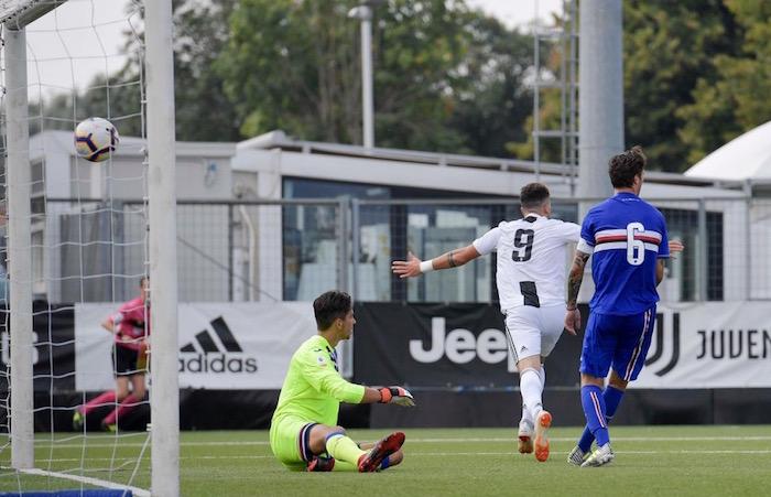 画像:2018/19シーズンのチーム初ゴールを決めたペトレッリ