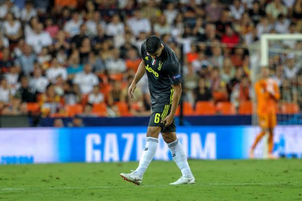 画像:バレンシア戦で左足を負傷したケディラ