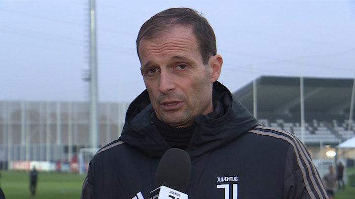 画像:ユベントスTVからのインタビューに応じるアッレグリ監督