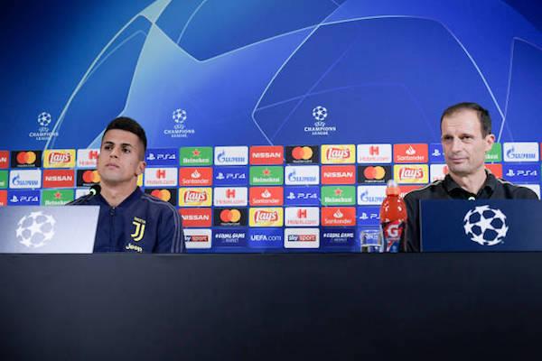画像:バレンシア戦の前日会見に出席したアッレグリ監督とカンセロ選手