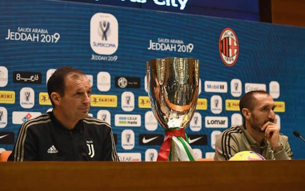 画像:前日会見に出席したアッレグリ監督とキエッリーニ選手