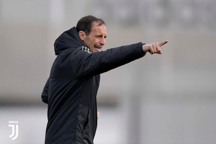 画像:練習を指揮するアッレグリ監督