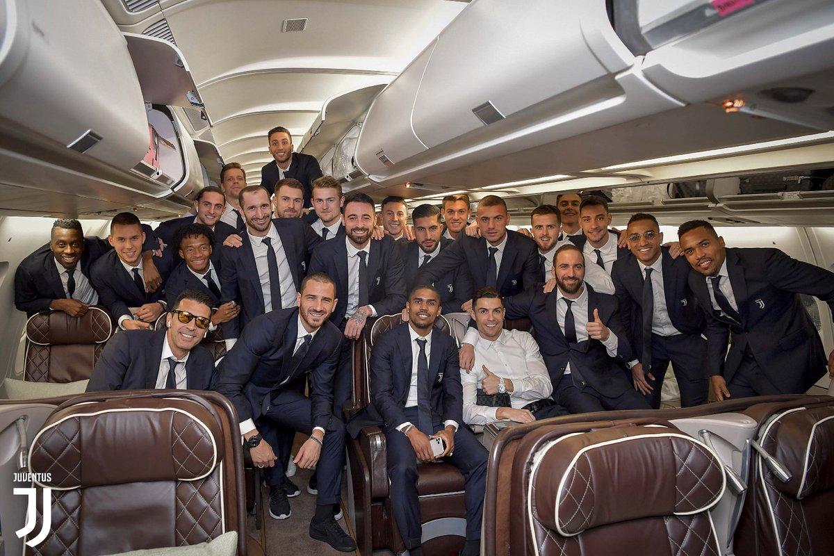画像:サウジアラビアに向かうユベントスの選手たち
